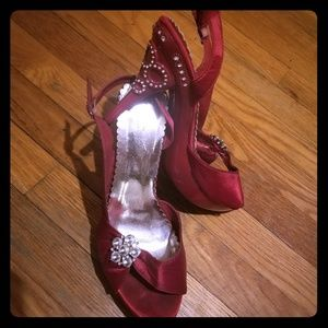 Red rhinestone Delicacy shoes